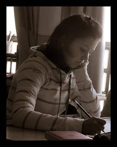 wanita-menulis